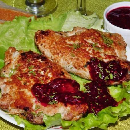 Рецепт фаршированных отбивных с ягодным соусом