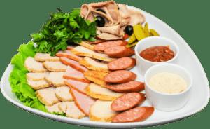 """Зачастую люди в обеденный перерыв предпочитают покушать картофель фри, беляши, жареные пироги, гамбургеры, пиццу и др. Вся перечисленная пища характеризуется повышенной калорийностью. Эта пища очень насыщена канцерогенами, различными усилителями вкуса, красителями и др. Регулярное употребление """"фастфуда"""" ведет к ожирению, повышенному давлению (гипертонии) и к нарушению работы пищеварительной системы."""