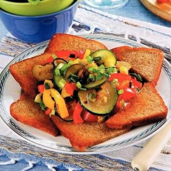 Рецепт овощей а-ля рататуй со ржаными гренками