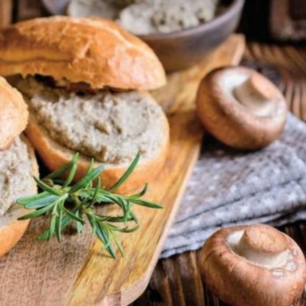 Легкий паштет из грибов со сливочным сыром