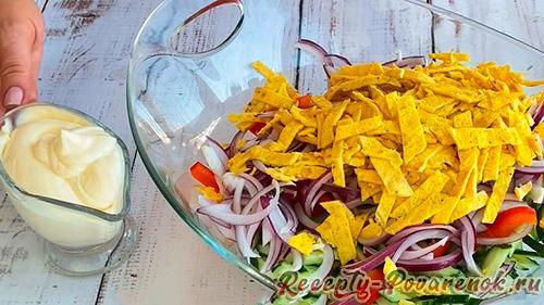 Салат с блинами и колбасой - Шаг 8