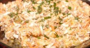Салат с печенью и солеными огурцами - Фото