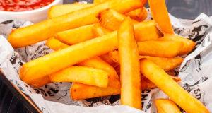 Запеченный картофель фри в духовке